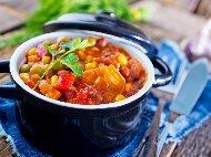 Рецепта Вегетарианска (постна) яхния от картофи и грах